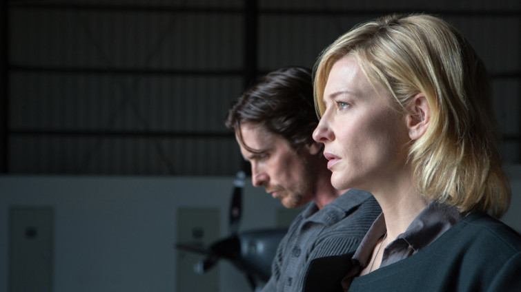 KoC-03190_R_CROP (l to r) Christian Bale stars as 'Rick' and Cate Blanchett as 'Nancy' in Terrence Malick's drama KNIGHT OF CUPS, a Broad Green Pictures release. Credit: Melinda Sue Gordon / Broad Green Pictures